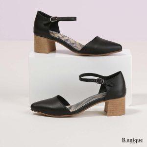 דגם נורה: נעלי עקב בצבע שחור