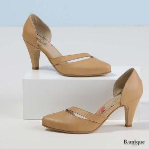 דגם אוליביה: נעלי עקב בצבע קאמל