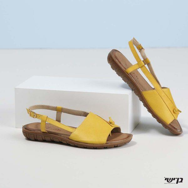 דגם בלינדה: סנדלים בצבע צהוב