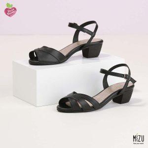 דגם טריניטי: סנדלים בצבע שחור
