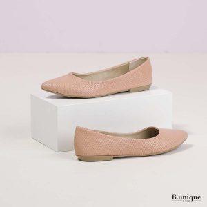 דגם אניקה: נעלי בובה בצבע פודרה