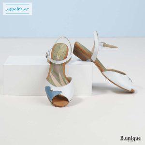 דגם שירה: סנדלים בצבע ג'ינס וקרח