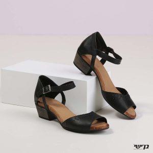 דגם ברוק: נעליים בצבע שחור