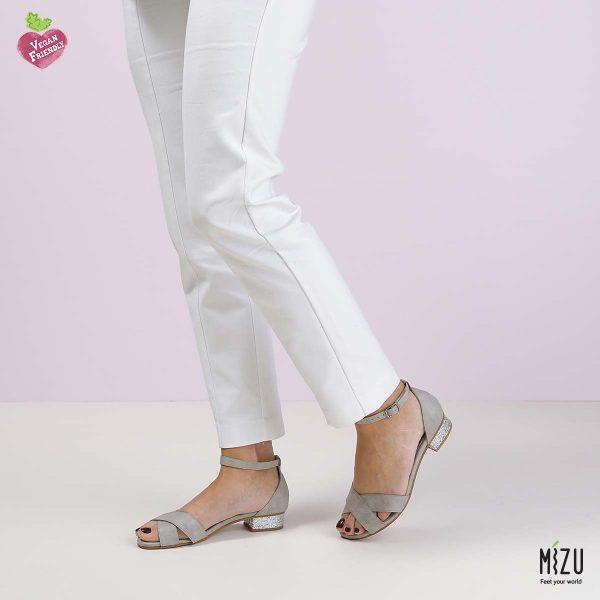 בלעדי לאתר - דגם איזמרלדה: נעליים בצבע אפור