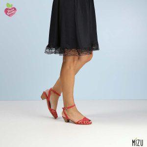 בלעדי לאתר - דגם מרטינה: סנדלים בצבע אדום