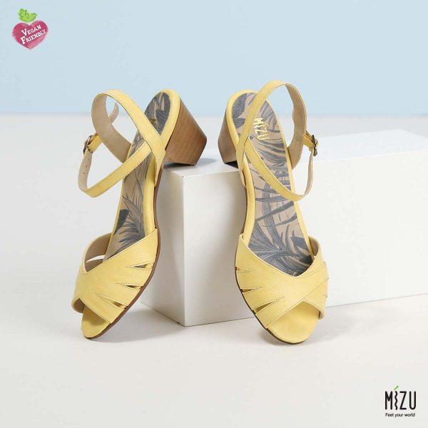בלעדי לאתר - דגם לוסיאנה: נעליים בצבע צהוב