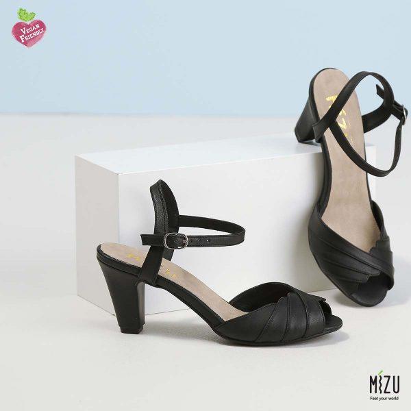 דגם נעמי: סנדלים בצבע שחור