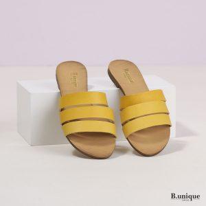 דגם אלונה: כפכפים בצבע צהוב חלק