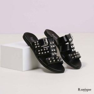 דגם הלית: סנדלים בצבע שחור