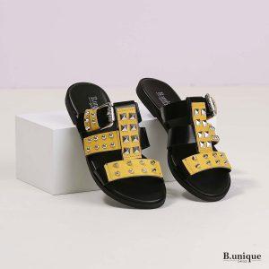 דגם הלית: סנדלים בצבע צהוב