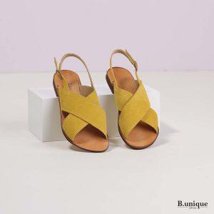 דגם מתילדה: סנדלים בצבע צהוב