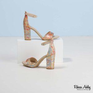 דגם אתיקה: נעליים בצבע פרחוני