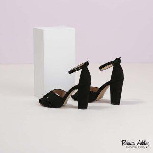 דגם אלכסנדרה: סנדלים בצבע שחור זמש