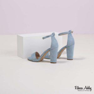 דגם מדליין: סנדלים בצבע תכלת