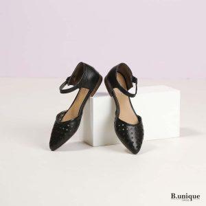 דגם דניאלה: סנדלים בצבע שחור