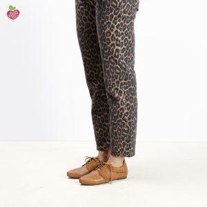 בלעדי לאתר - דגם אנדורה: נעלי אוקספורד טבעוניות בצבע קאמל - MIZU