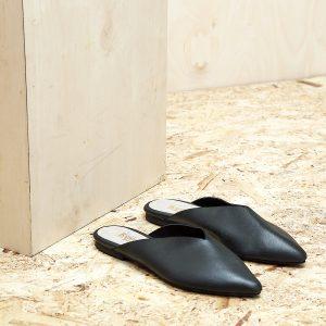 דגם קוקו - כפכפים מעוצבים לנשים בצבע שחור - B.unique