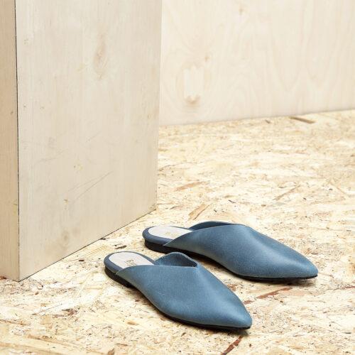 דגם קוקו - כפכפים מעוצבים לנשים בצבע ג'ינס - B.unique