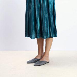 דגם קוקו - כפכפים מעוצבים לנשים בצבע אפור - B.unique