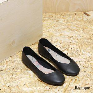 דגם לימסול: נעלי סירה לנשים בצבע שחור - B.unique
