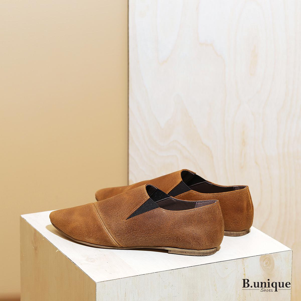 דגם פיראוס:  נעליים שטוחות לנשים בצבע קאמל