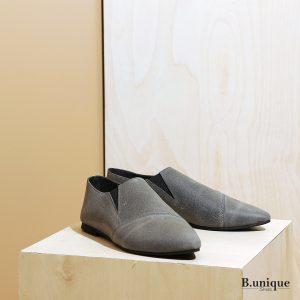 דגם פיראוס:  נעליים שטוחות לנשים בצבע אפור - B.unique