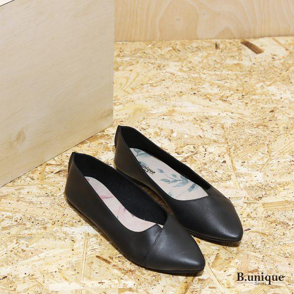 דגם לינדוס: נעלי בובה עם מפתח איקס בצבע שחור - b.unique