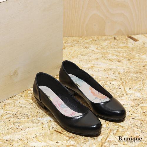 דגם: בוקרשט נעלי בובה לנשים בצבע שחור