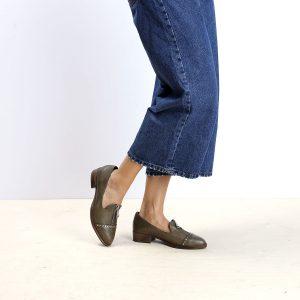 דגם ביל: נעלי אוקספורד לנשים בצבע ירוק זית – B.unique