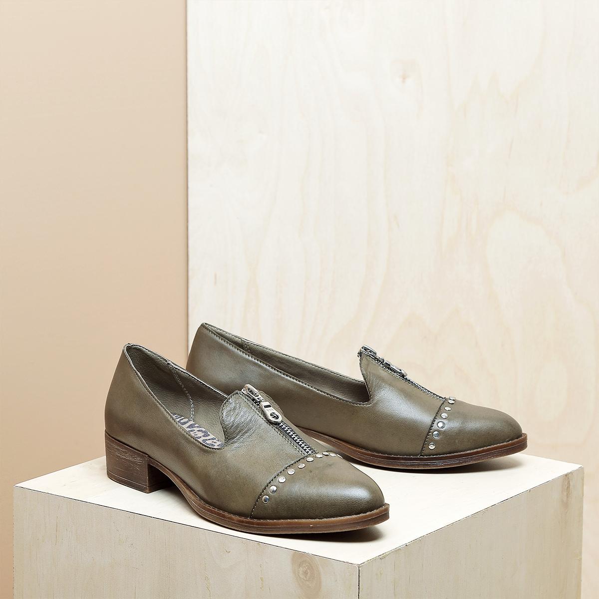 דגם ביל: נעלי אוקספורד לנשים בצבע ירוק זית