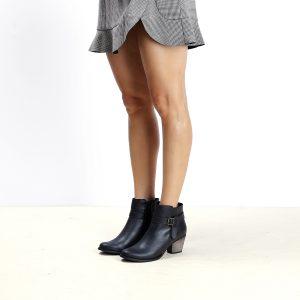 דגם אקוודור: מגפוני עור לנשים בצבע שחור - B.unique