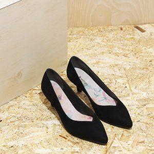 דגם ג'רזי: נעלי עקב בצבע שחור - B.unique