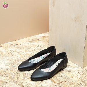 דגם מקסיקו: נעלי סירה טבעוניות בצבע שחור - MIZU