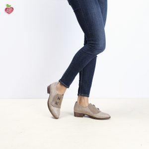 דגם אוהיו: נעלי אוקספורד טבעוניות בצבע טאופ - MIZU