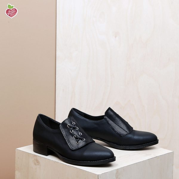 דגם אוהיו: נעלי אוקספורד טבעוניות בצבע שחור - MIZU