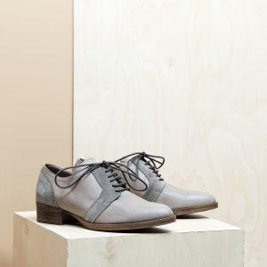 דגם בלגיה: נעלי אוקספורד לנשים בצבע טאופ - B.unique