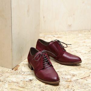 דגם בלגיה: נעלי אוקספורד לנשים בצבע בורדו - B.unique