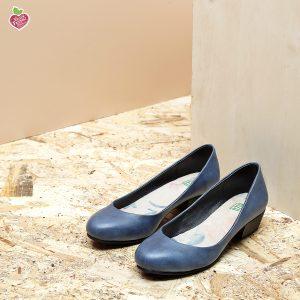 דגם ממפיס: נעלי סירה טבעוניות בצבע כחול- MIZU