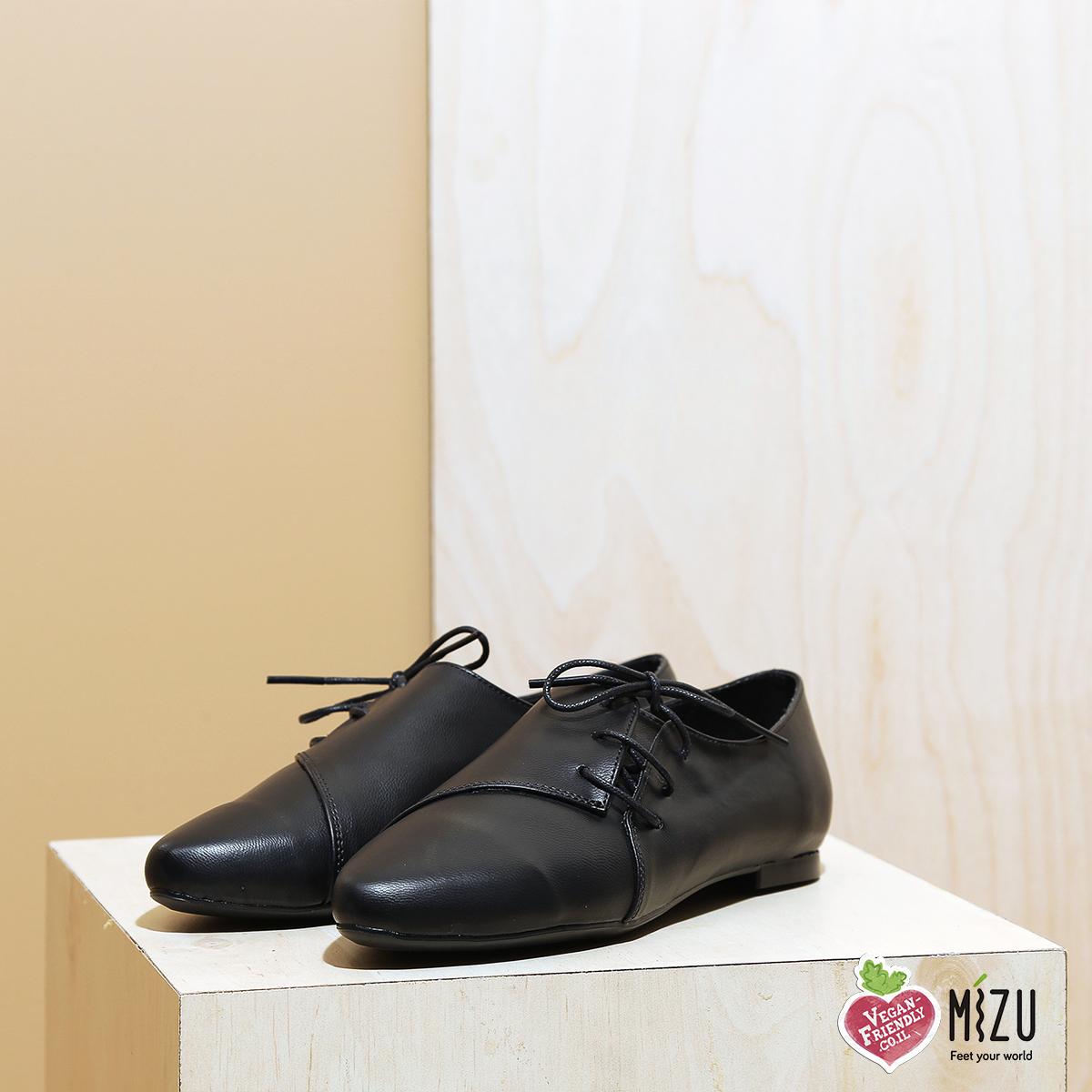 דגם מיסיסיפי: נעליים טבעוניות שטוחות בצבע שחור