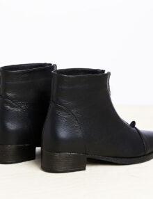 דגם אשלי: מגפונים לנשים בצבע שחור