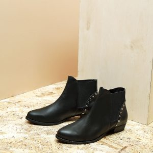 דגם קיקי: מגפונים לנשים בצבע שחור - B.unique