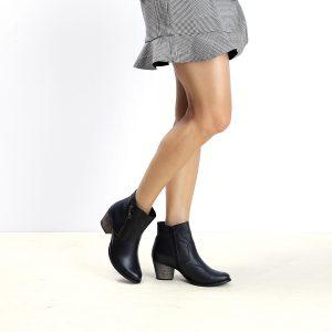 דגם פרו: מגפונים לנשים בצבע שחור - B.unique