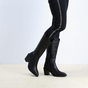 דגם קוס: מגפיים לנשים בצבע שחור – B.unique