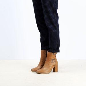 דגם ווגאס: מגפונים לנשים בצבע קאמל – B.unique