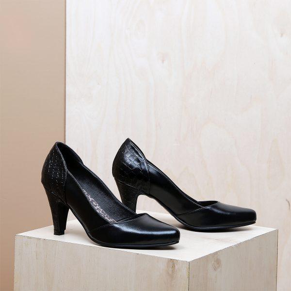 דגם בוסניה: נעלי עקב בצבע שחור - B.unique