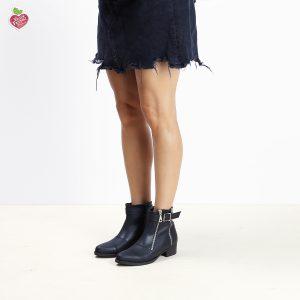 דגם מרילנד: מגפונים טבעוניים לנשים בעיטור אבזמים ורוכסנים בצבע שחור - MIZU