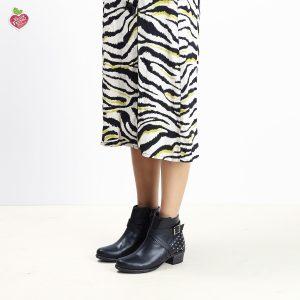 דגם גוואטאמלה: מגפונים טבעוניים לנשים בצבע שחור - MIZU