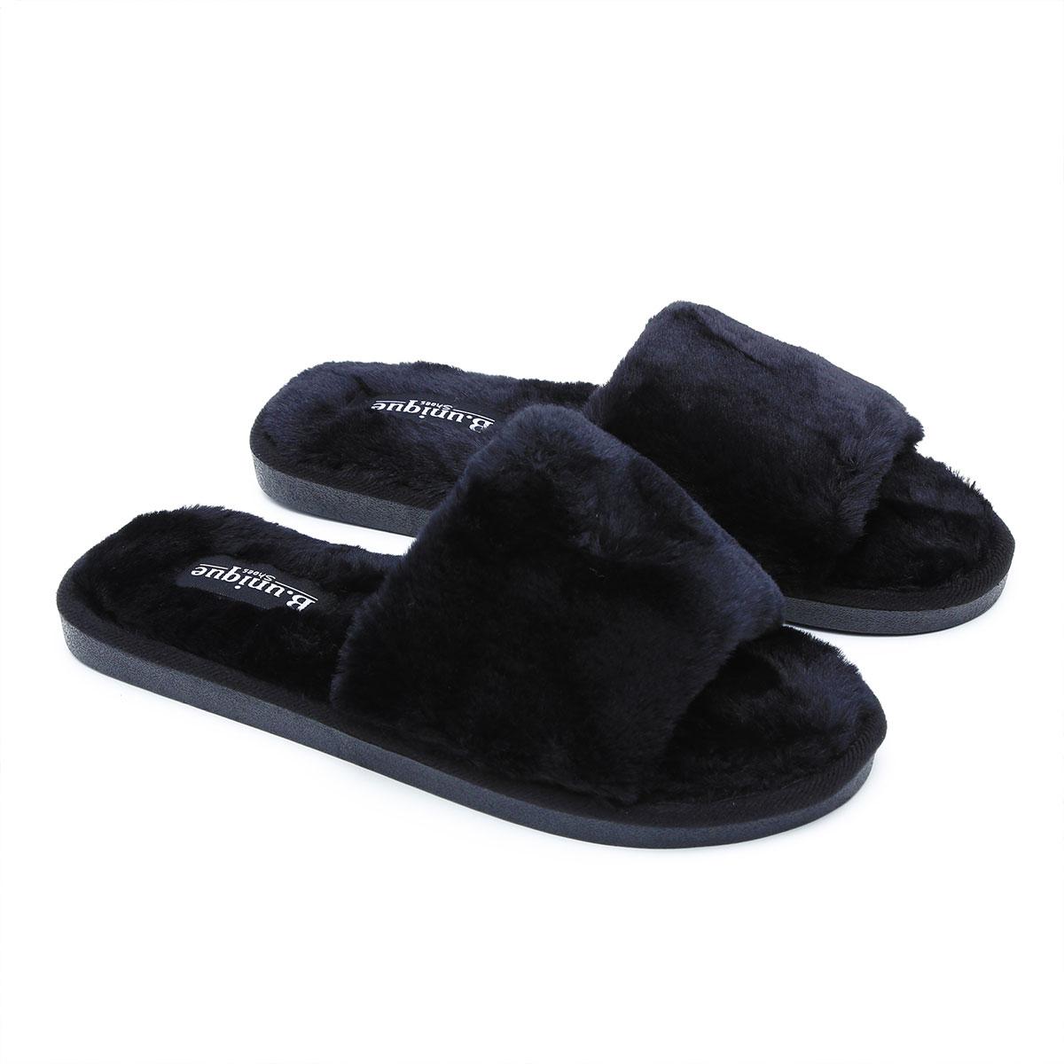 נעלי בית בצבע שחור