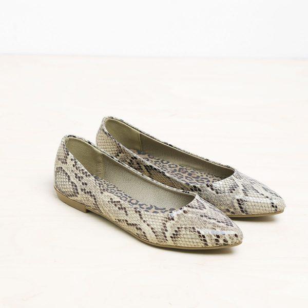 דגם אניקה: נעלי בובה מנוחש