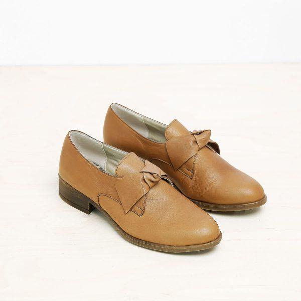 בלעדי לאתר - דגם קרלי: נעליים בצבע קאמל – B.unique